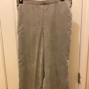 Alfred Dunner light gray size 16P corduroy pants